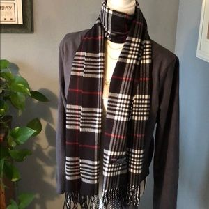 Accessories - ❤️NEW! 💯 Cashmere Black Plaid Scarf